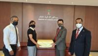 মালদ্বীপকে পাঁচশ কেজি হাড়িভাঙ্গা আম উপহার হিসেবে দিয়েছে বাংলাদেশ